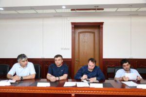#Получение услуг в электронном виде обсудили на совместном совещании республиканского Министерства здравоохранения и МФЦ Дагестана6