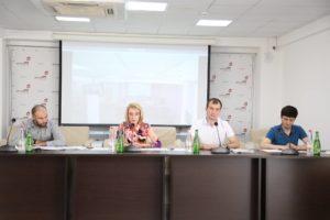 #В Республиканском МФЦ прошла встреча с представителями Управления Росреестра и Кадастровой палаты по РД9