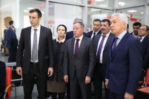 #Владимир Васильев и Александр Браверман посетили Республиканский МФЦ7