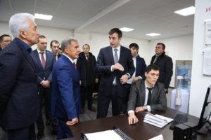 #Президент Татарстана Рустам Минниханов посетил МФЦ  Дагестана1