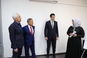 #Президент Татарстана Рустам Минниханов посетил МФЦ  Дагестана7