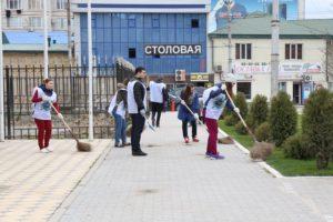 #Председатель правительства РД Артем Здунов поддержал субботник Республиканского МФЦ7