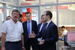#МФЦ  Дагестана посетил директор по развитию производственных систем Госкорпорации «Росатом» Сергей Обозов1