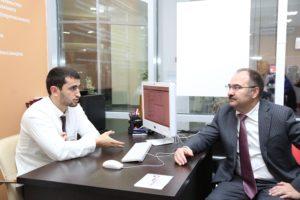 #Глава Пенсионного Фонда РФ Антон Дроздов посетил МФЦ Дагестана2