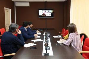 #В конференц-зале Республиканского МФЦ прошло вкс-совещание с участием представителей Корпорации МСП и Минэкономразвития России9