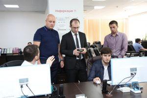 #Директор МФЦ Саратовской области изучил опыт внедрения принципов «бережливого производства»в дагестанских центрах госуслуг.7