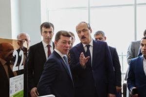 #Министр труда и социальной защиты Российской Федерации М.Топилин побывал в МФЦ г. Махачкалы6