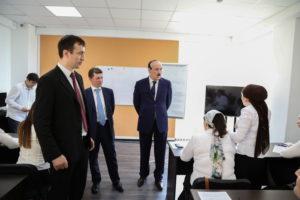 #Министр труда и социальной защиты Российской Федерации М.Топилин побывал в МФЦ г. Махачкалы8