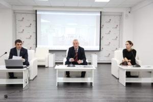 #В Республиканском МФЦ обсудили порядок оказания услуги Избиркома Республики Дагестан.2