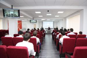 #В Республиканском МФЦ обсудили порядок оказания услуги Избиркома Республики Дагестан.5