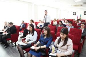#В МФЦ Дагестана прошли обучающие семинары по услугам8