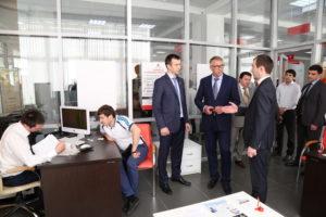 #Представители МинКавказа посетили Республиканский МФЦ9