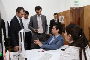 #Министр экономики Республики Татарстан побывал в МФЦ Дагестана8