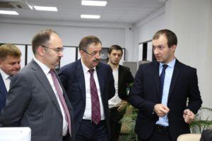#Глава Пенсионного Фонда РФ Антон Дроздов посетил МФЦ Дагестана7
