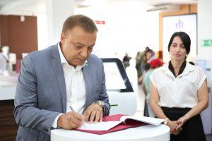 #Сегодня в Республиканском МФЦ состоялось подписание соглашения между Министерством строительства и ЖКХ  РД и  Сбербанком Республики Дагестан2