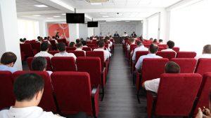 #В актовом зале Республиканского МФЦ состоялось совещание, посвященное подведению итогов работы многофункциональных центров за второй квартал текущего года4