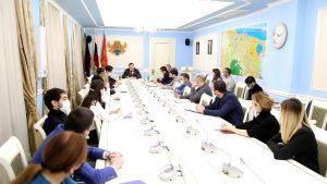 #Вопросы предоставления муниципальных услуг населению обсудили в администрации г. Махачкалы9