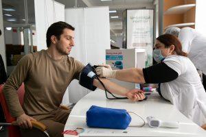 #В столичном МФЦ открылся мобильный пункт вакцинации от коронавируса.3