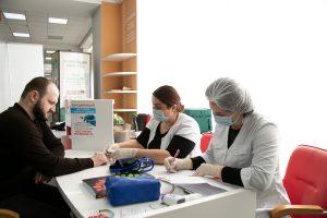 #В столичном МФЦ открылся мобильный пункт вакцинации от коронавируса.6