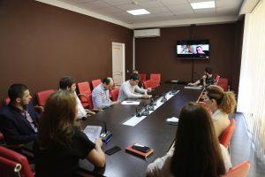 #Реализацию проекта «100 школ» обсудили на ВКС совещание в Республиканском МФЦ.7