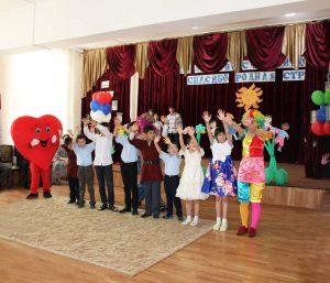 #Коллективы МФЦ подарили праздник детям.6