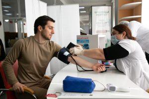 #85% сотрудников МФЦ вакцинировались.2